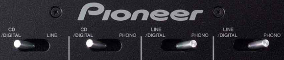 Input selectors van de Pioneer DJM 800 mixer