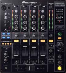 De Pioneer DJM-800 dj mixer